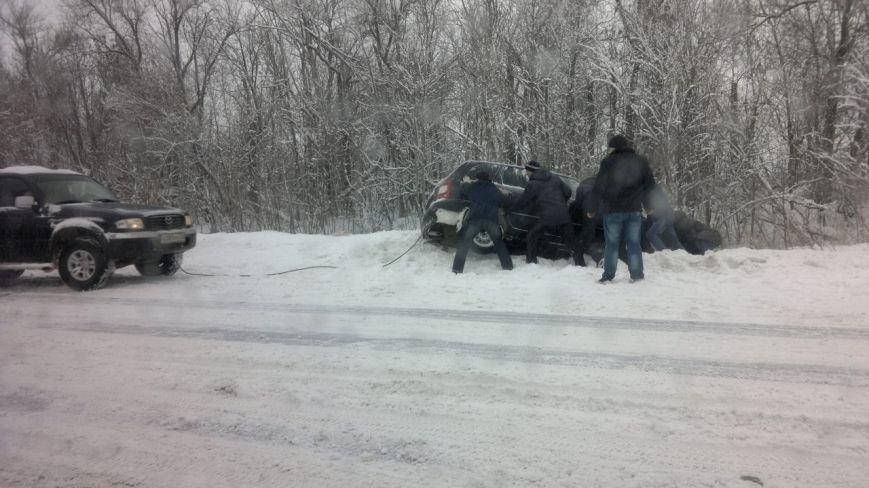 В Ульяновске автомобиль упал в кювет (фото) - фото 1