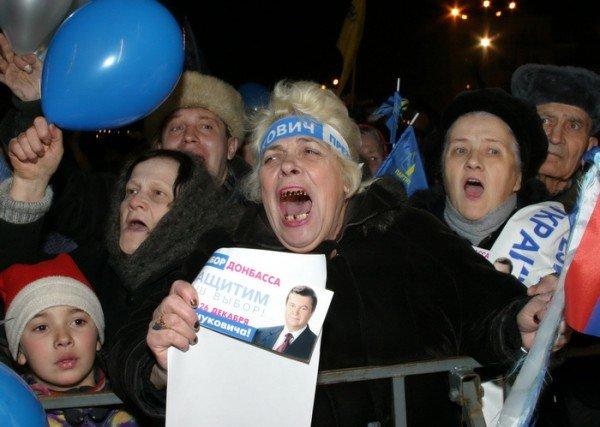 Пресса прошлых лет: запорожцы едут на «бело-голубой Майдан», покупают валюту на Анголенко и спорят о переименовании улиц (фото) - фото 1