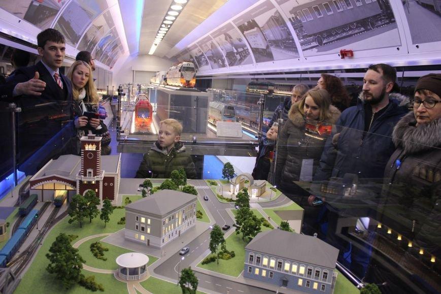 В поезде-музее каждый может побыть в роли машиниста локомотива, фото-11