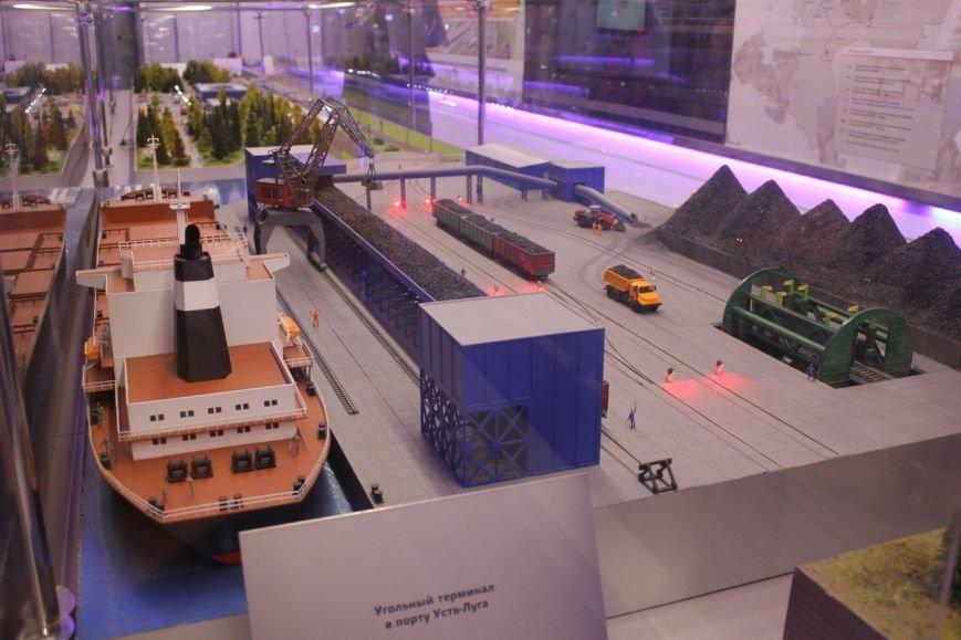 В поезде-музее каждый может побыть в роли машиниста локомотива (фото) - фото 4