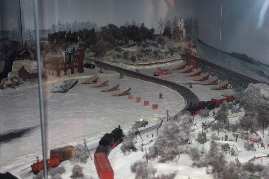 В поезде-музее каждый может побыть в роли машиниста локомотива (фото) - фото 2