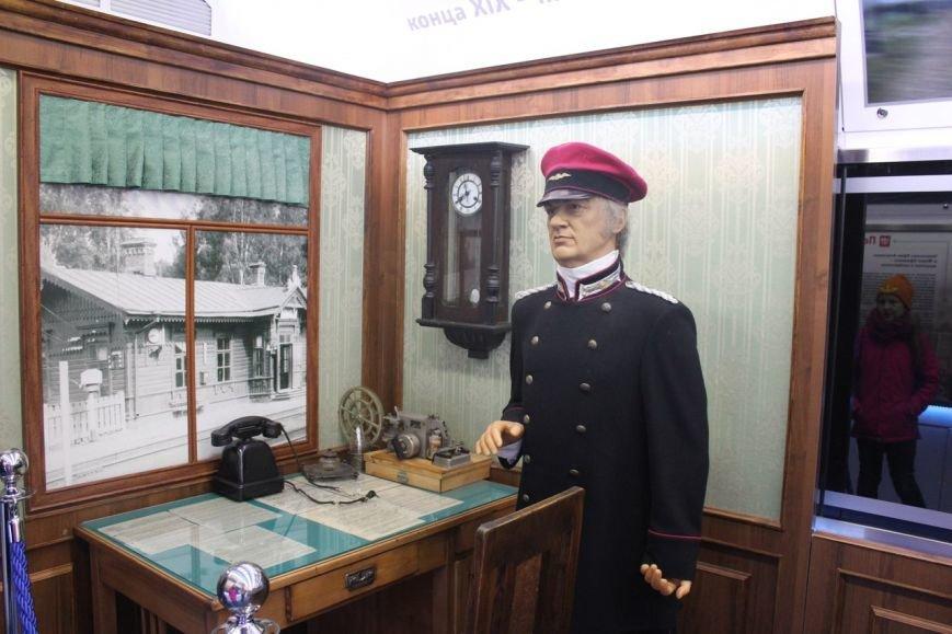 В поезде-музее каждый может побыть в роли машиниста локомотива (фото) - фото 9