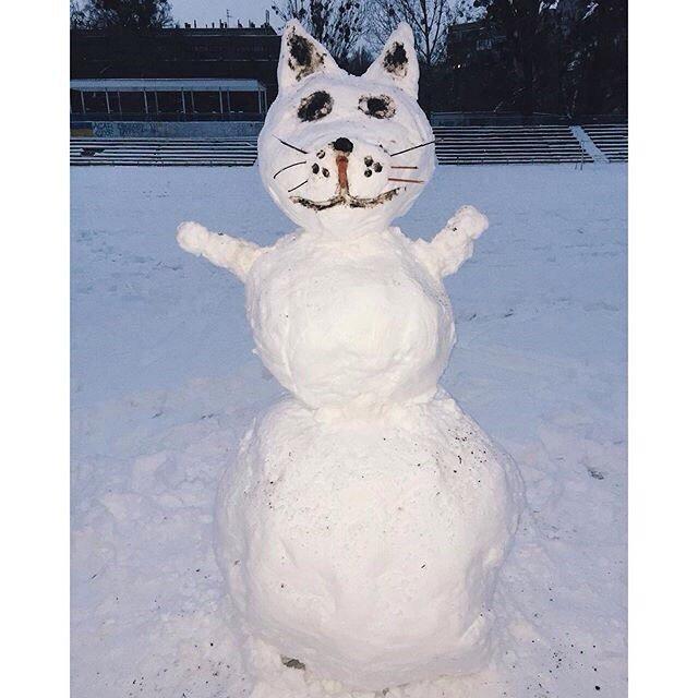 0fde65959d2fcd211cf6e3dce908158e Одесситы лепят забавных снеговиков
