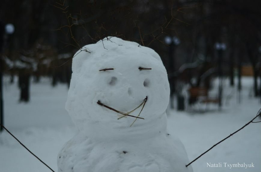 76dc579e19c6a9740e0fed7fb6009cf2 Одесситы лепят забавных снеговиков