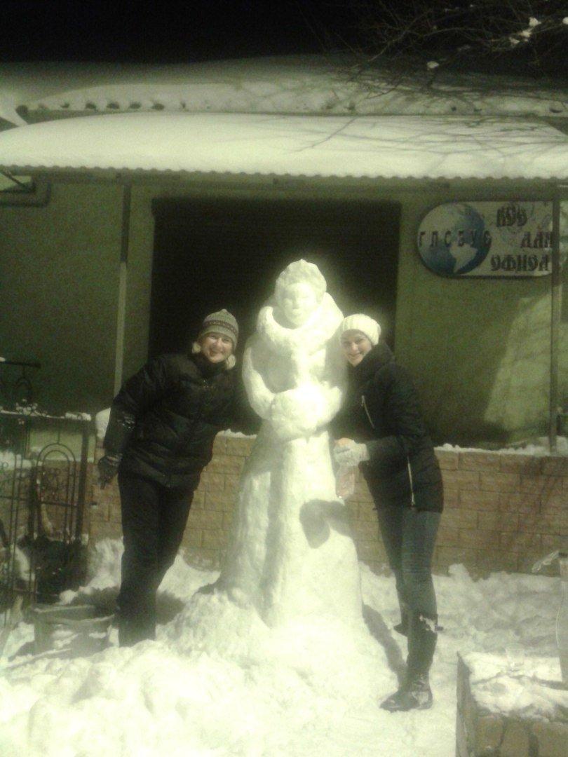 a599d292319518c20e01b3544c681f7f Одесситы лепят забавных снеговиков