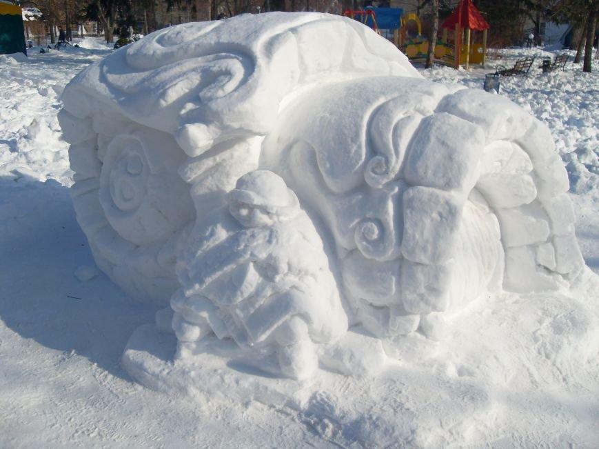 В Николаеве снежные гиганты стоят на страже детского веселья (ФОТОРЕПОРТАЖ) (фото) - фото 5