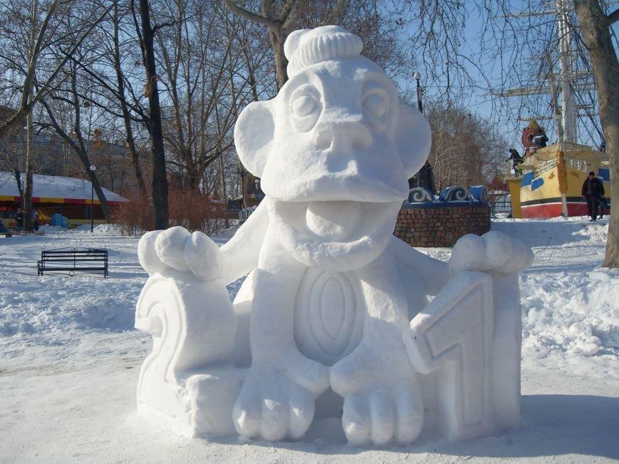 В Николаеве снежные гиганты стоят на страже детского веселья (ФОТОРЕПОРТАЖ) (фото) - фото 3
