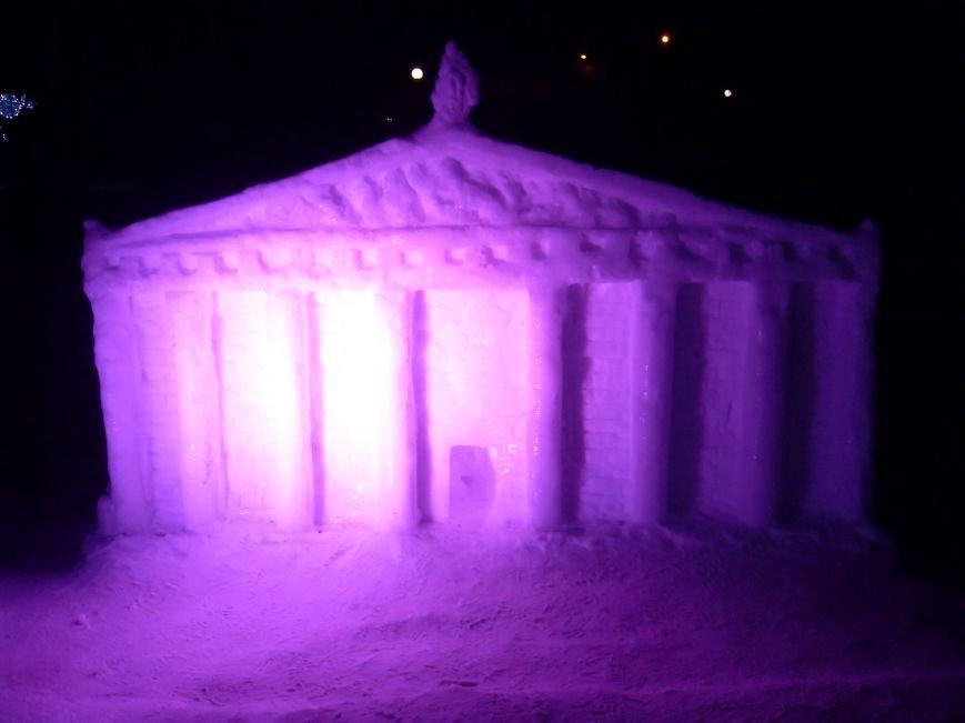 В Николаеве снежные гиганты стоят на страже детского веселья (ФОТОРЕПОРТАЖ) (фото) - фото 10