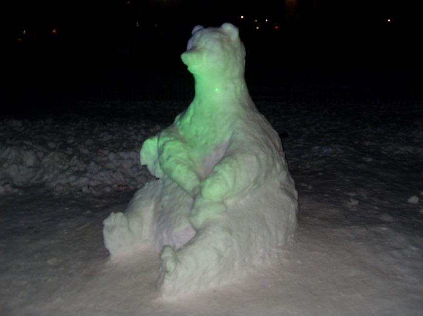 В Николаеве снежные гиганты стоят на страже детского веселья (ФОТОРЕПОРТАЖ) (фото) - фото 9