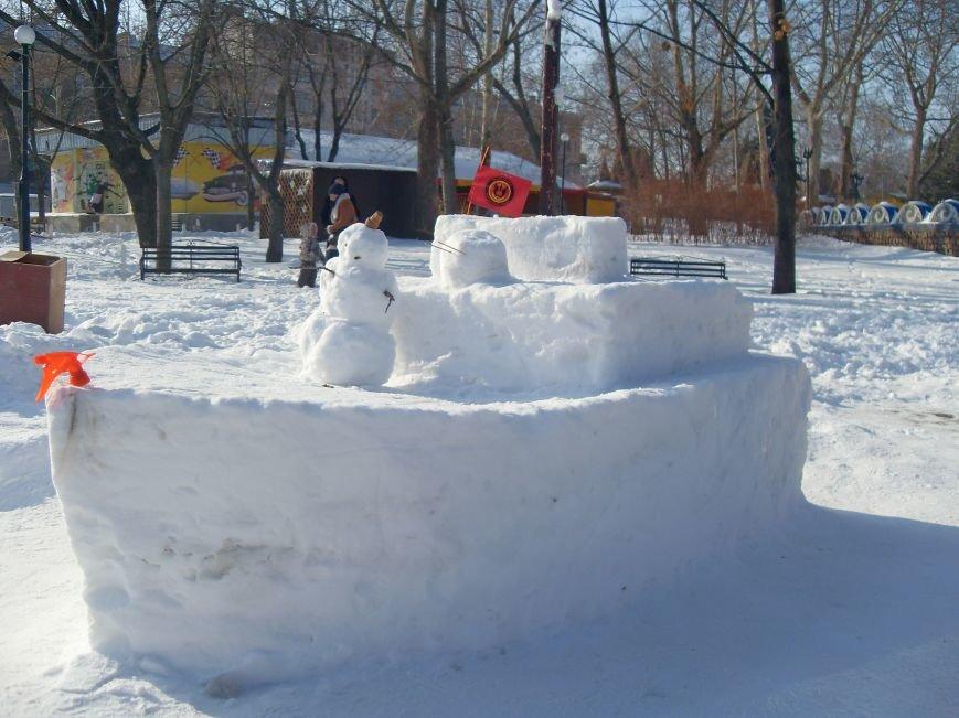 В Николаеве снежные гиганты стоят на страже детского веселья (ФОТОРЕПОРТАЖ) (фото) - фото 2
