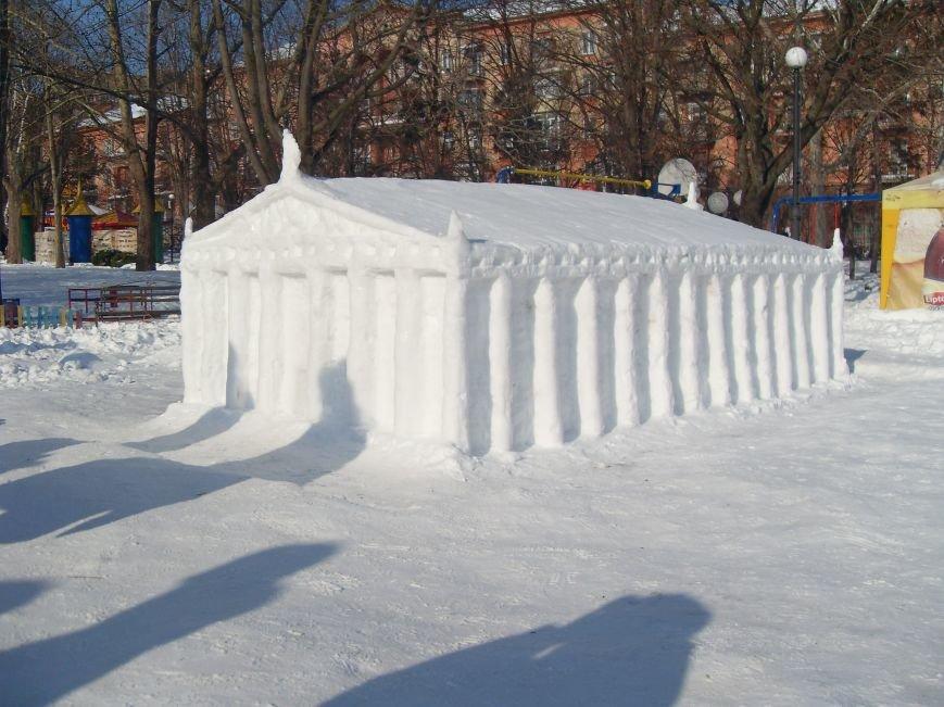 В Николаеве снежные гиганты стоят на страже детского веселья (ФОТОРЕПОРТАЖ) (фото) - фото 4