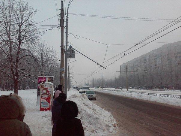 На Алексеевке провисли троллейбусные провода: движение парализовано (фото) - фото 1