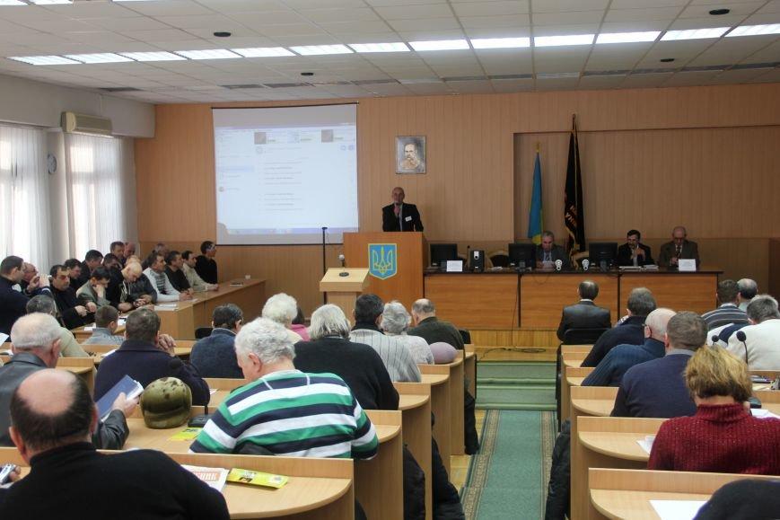 Пчеловоды со всей Украины собрались в Сумском НАУ (фото) - фото 1