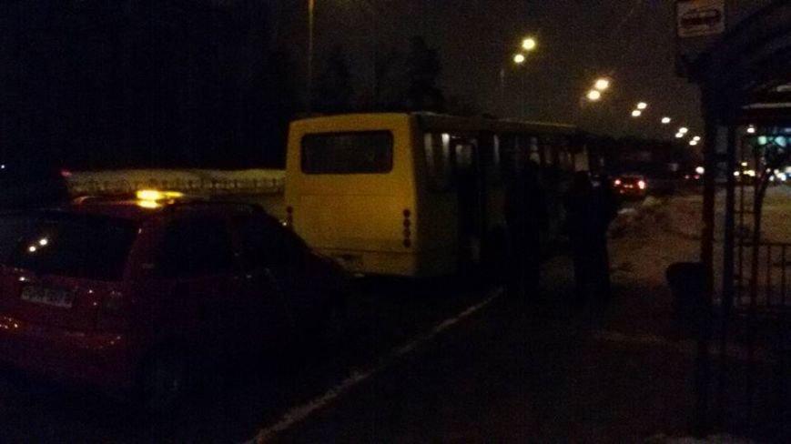 В Киеве полицейские задержали пьяного водителя маршрутки (ФОТО) (фото) - фото 1