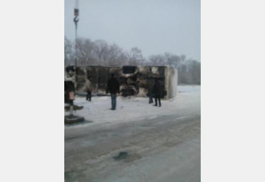 Под Харьковом перевернулся автобус: есть пострадавшие (ФОТО), фото-1