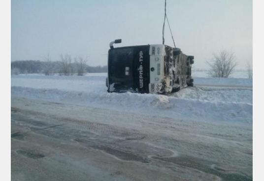 Под Харьковом перевернулся автобус: есть пострадавшие (ФОТО), фото-3