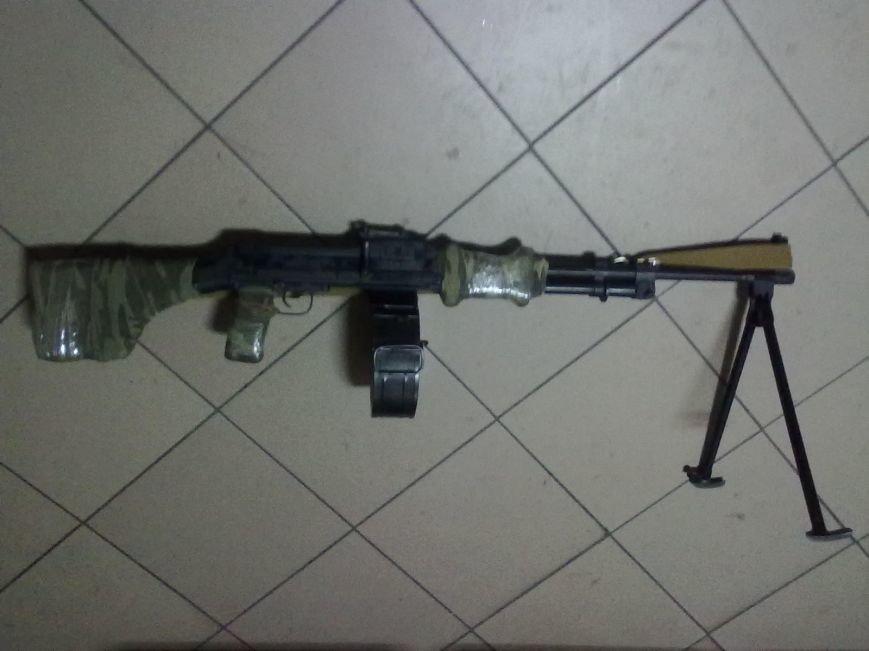 На въезде в Доброполье остановлен водитель везший пулемет (фото) - фото 1