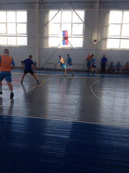 В Новошахтинске прошел второй тур Чемпионат города по мини-футболу (фото) - фото 2