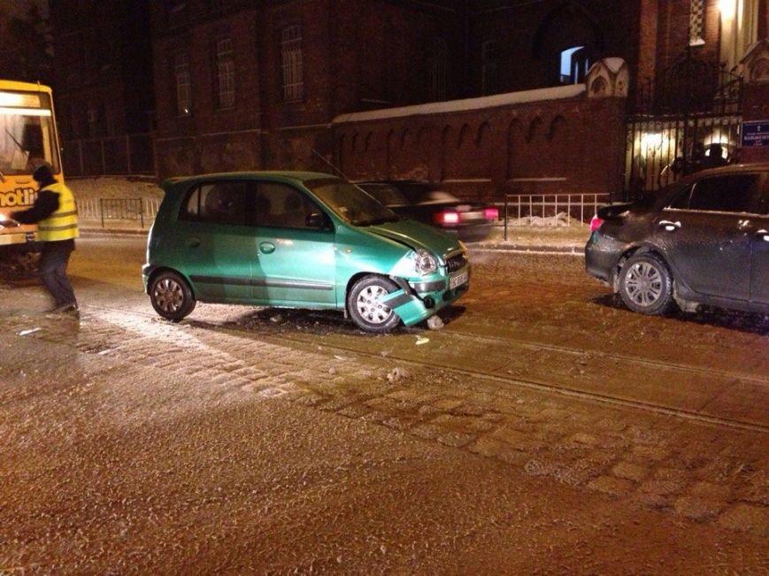 Через ДТП у Львові зупинилися трамваї (ФОТО) (фото) - фото 1