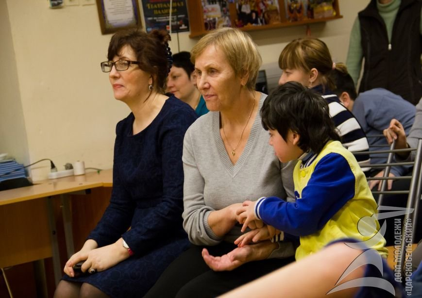 Волонтеры из города Пушкина оживили сказку для воспитанников школы-интерната (фото) - фото 1