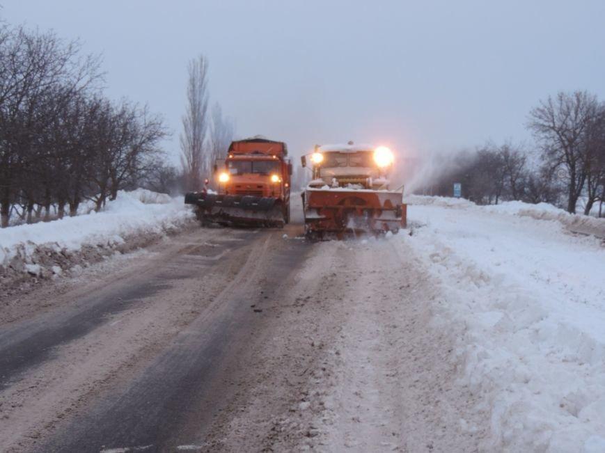 Движение на дорогах Николаевщины, ограниченное из-за снегопада, восстановлено (ФОТО) (фото) - фото 2