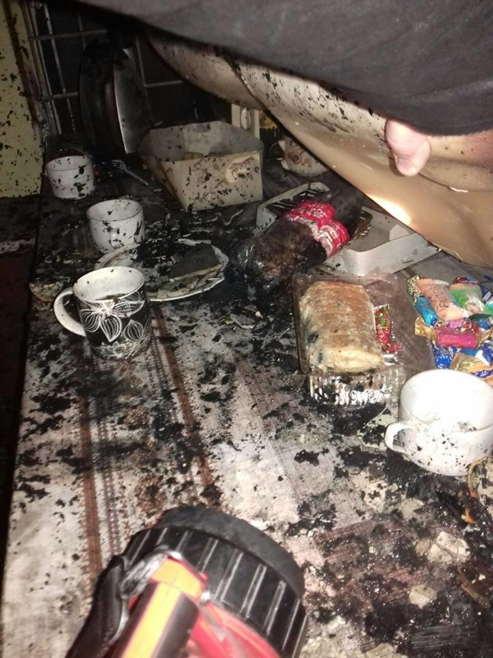 Рятувальники розповіли подробиці вчорашньої пожежі у магазині торгового центру (ФОТО), фото-1