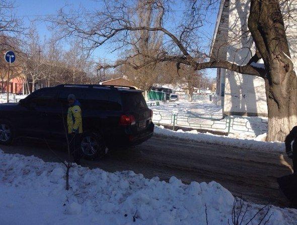 Одесский боксер Ломаченко вытянул из сугроба маршрутку (ФОТО) (фото) - фото 1
