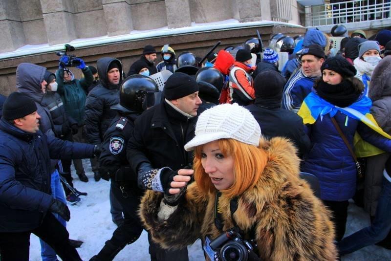 Штурм Днепропетровской ОГА: как это было в январе 2014 года (ФОТО) (фото) - фото 9