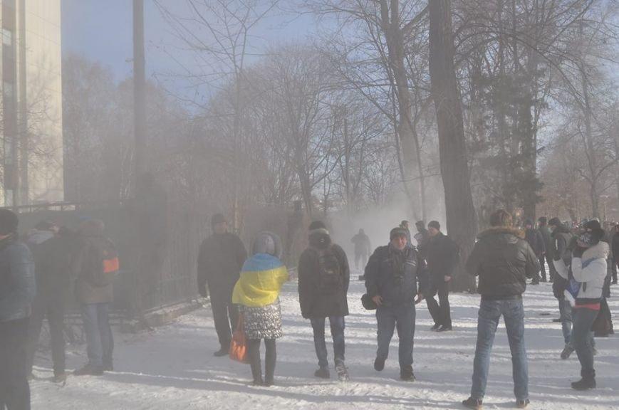 Штурм Днепропетровской ОГА: как это было в январе 2014 года (ФОТО) (фото) - фото 12