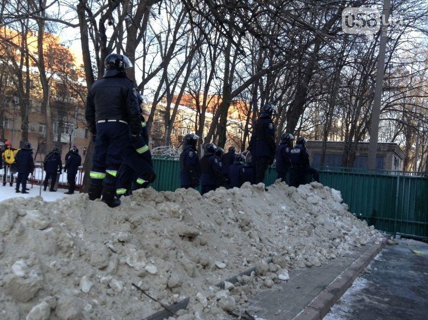 Штурм Днепропетровской ОГА: как это было в январе 2014 года (ФОТО) (фото) - фото 2