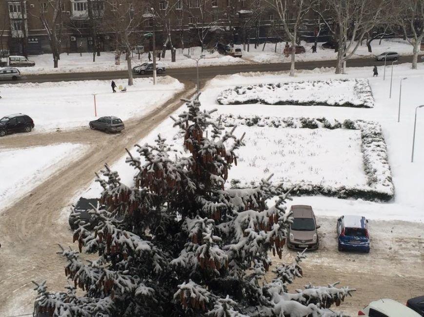 В Одессе снег не расчистили даже под окнами Урбанского (ФОТО) (фото) - фото 1
