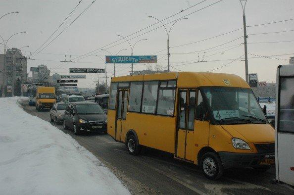 На Харьковском мосту в Сумах небольшая проба из-за ДТП (ФОТО), фото-4