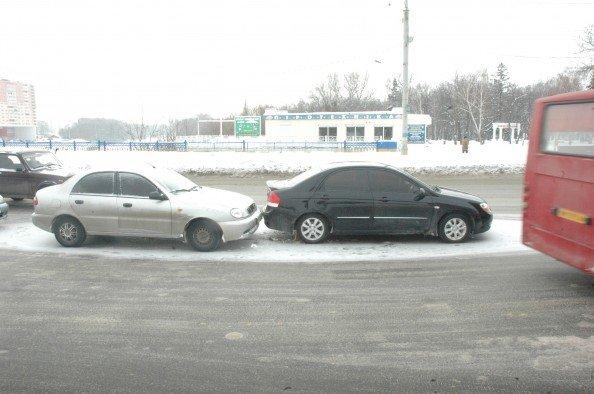 На Харьковском мосту в Сумах небольшая проба из-за ДТП (ФОТО), фото-3