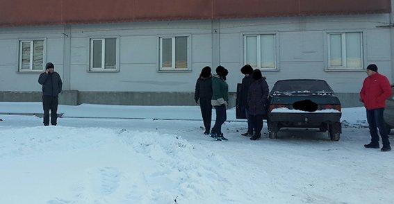 В Кривом Роге полицейские изъяли рабочий телефон сутенерши (ФОТО) (фото) - фото 1