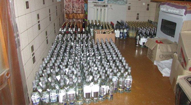 В Гродненской области перекрыли канал нелегальной перепродажи алкоголя из Duty free (фото) - фото 1