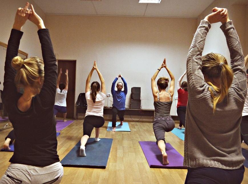 Йога - рецепт восстановление для тела и души в Троицке (ФОТО) (фото) - фото 1