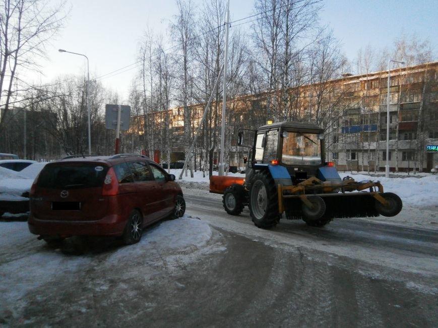 Автолюбители Нижневартовска вновь не освободили проезжую часть для уборки снега (фото) - фото 1