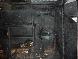В Мариуполе горел хлебный киоск (ФОТО) (фото) - фото 1
