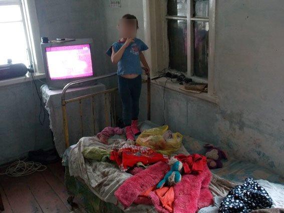 В Полтавской области 26-летняя женщина скрывалась от правоохранителей, чтобы у нее не забрали детей (фото) - фото 3