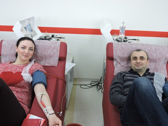 В Сумах полицейские приняли участие в акции «Сдай кровь – спаси жизнь» (ФОТО) (фото) - фото 1