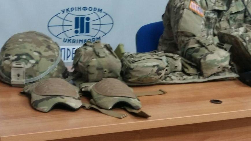 Американці у Львові продемонстрували, яким має бути екіпірування українських військових (ФОТО), фото-9