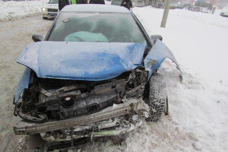 В Белгородском районе лоб в лоб столкнулись  «Хонда» и «Киа» (фото) - фото 1