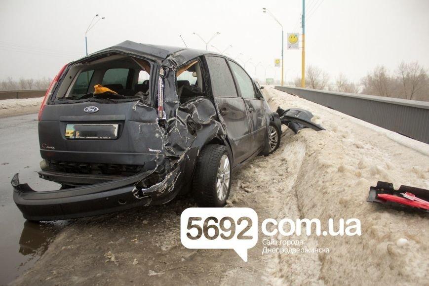 На левобережном мосту Днепродзержинска произошла очередная авария (фото) - фото 2