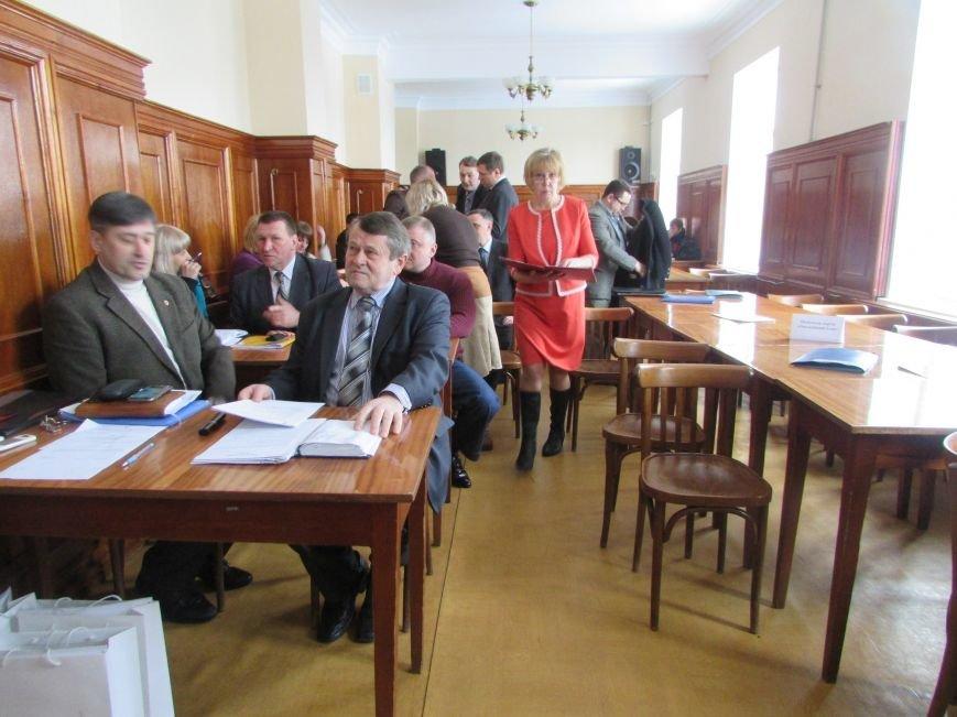 В Северодонецке не состоялась сессия: не пришли депутаты (ФОТО), фото-1
