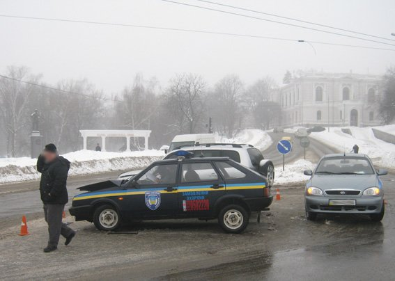 Стали известны обстоятельства ДТП в центре Сум (ФОТО) (фото) - фото 1