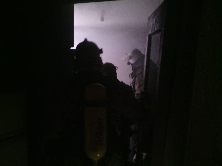 В Днепродзержинске во время ликвидации пожара спасатели обнаружили труп мужчины, фото-2