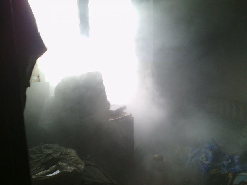 В Днепродзержинске во время ликвидации пожара спасатели обнаружили труп мужчины, фото-1