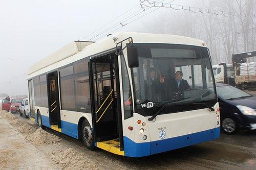 На улицы Белгорода вышел первый инновационный троллейбус (фото) - фото 1