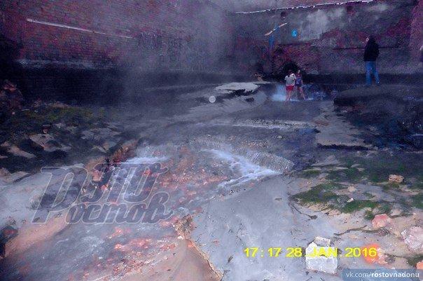 На Парамоновских складах снесли дамбу и почти осушили бассейн (фото) - фото 5