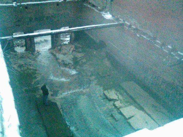 На Парамоновских складах снесли дамбу и почти осушили бассейн (фото) - фото 1